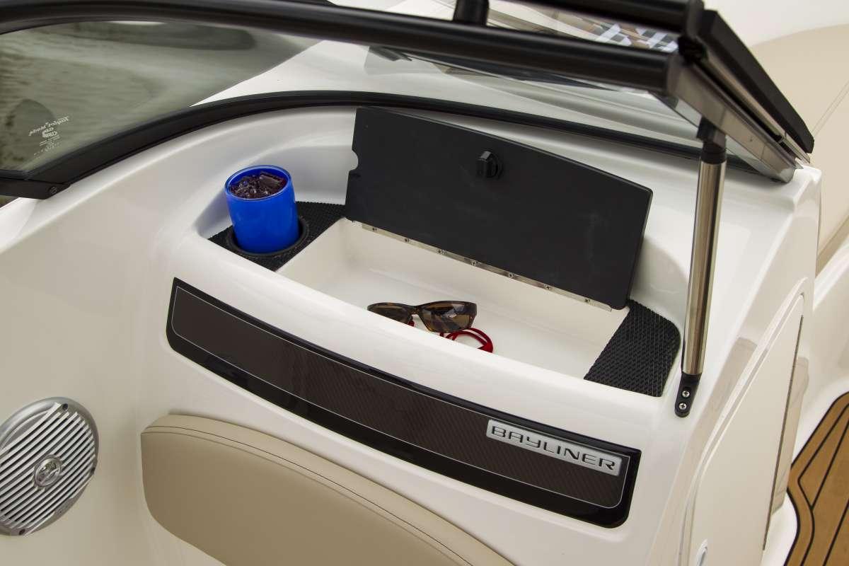 Bayliner VR5 lleno