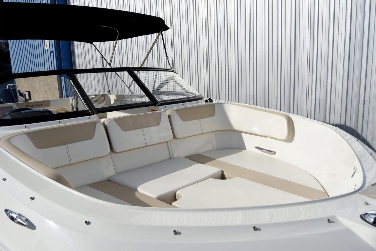 Bayliner VR6 lleno